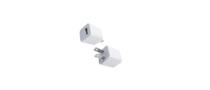 USBケーブルとACアダプターで充電する